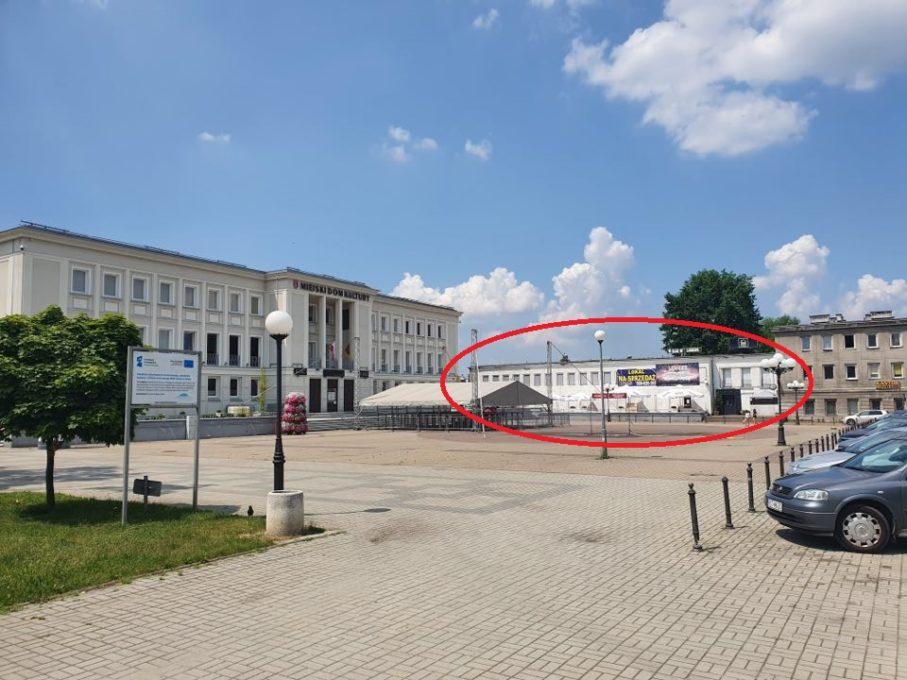 Na sprzedaż budynek usługowo-handlowy o pow. 2150m w centrum Stalowej Woli